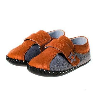 http://cdn1.chausson-de-bebe.com/1095-thickbox_default/little-blue-lamb-baby-boys-first-steps-soft-leather-shoes-sneakers-orange-star.jpg