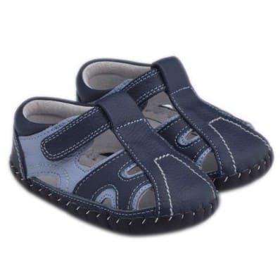http://cdn1.chausson-de-bebe.com/1113-thickbox_default/little-blue-lamb-baby-boys-first-steps-soft-leather-shoes-sandals-bicolor.jpg