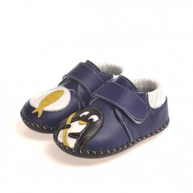 http://cdn2.chausson-de-bebe.com/2425-thickbox_default/caroch-baby-boys-first-steps-soft-leather-shoes-small-auk.jpg