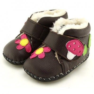 http://cdn2.chausson-de-bebe.com/3980-thickbox_default/freycoo-baby-girls-first-steps-soft-leather-shoes-brown-filled-bootees-with-a-mushroom.jpg