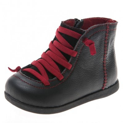 Little Blue Lamb - Chaussures semelle souple | Bottines noir lacets rouge