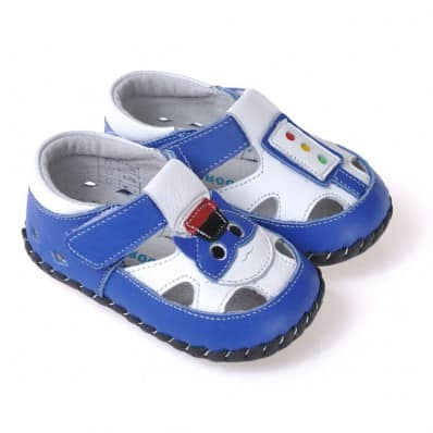 http://cdn1.chausson-de-bebe.com/4533-thickbox_default/caroch-baby-boys-first-steps-soft-leather-shoes-blue-with-small-cat-sandals.jpg
