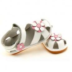 FREYCOO - Zapatos de cuero chirriantes - squeaky shoes niñas | Sandalias blancas flor rosa y blanca