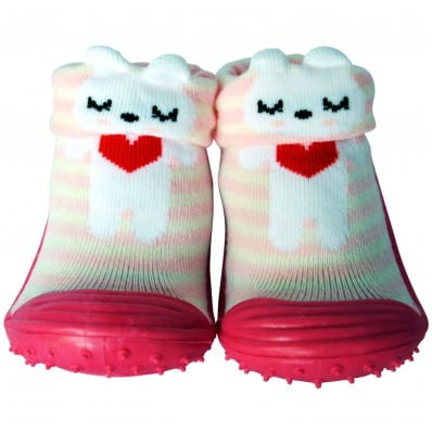http://cdn3.chausson-de-bebe.com/5789-thickbox_default/baby-girls-socks-shoes-with-grippy-rubber-small-red-heart.jpg