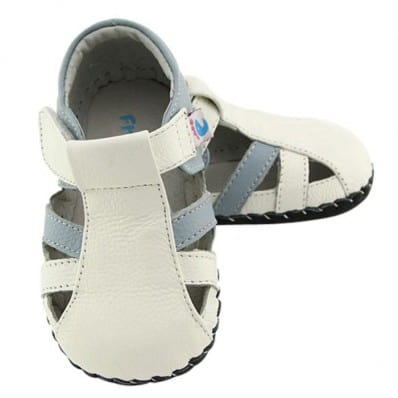 http://cdn1.chausson-de-bebe.com/6328-thickbox_default/freycoo-baby-boys-first-steps-soft-leather-shoes-white-blue-sandals.jpg