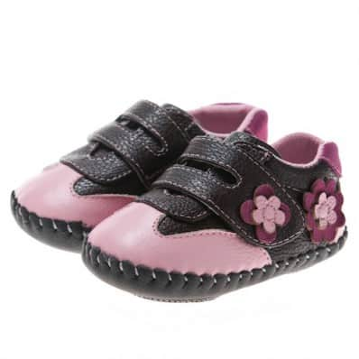 Little Blue Lamb - Baby girls first steps soft leather shoes | Black and pink sneakers