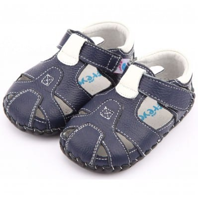 http://cdn3.chausson-de-bebe.com/7084-thickbox_default/freycoo-baby-boys-first-steps-soft-leather-shoes-navy-blue-sandals.jpg