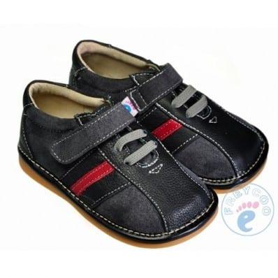 FREYCOO - Zapatos de cuero chirriantes - squeaky shoes niños | Zapatilla de deporte negras venda rojo