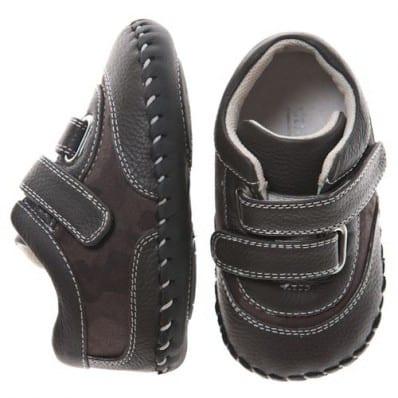 Little Blue Lamb - Chaussures premiers pas cuir souple | Baskets noires déco militaire